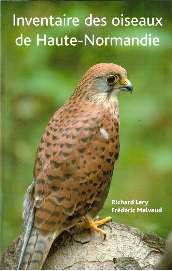 couverture avec un faucon crécerelle du livre Inventaire des oiseaux de Haute-Normandie de 2005
